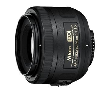 Nikon AF-S DX Nikkor 35mm 1:1,8G Objektiv (52mm Filtergewinde) -